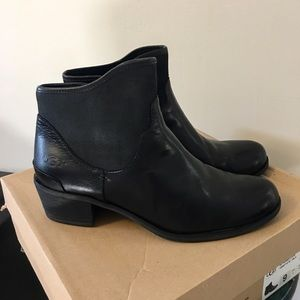 92a673a7de3 Women's UGG Penelope Ankle Boots NWT